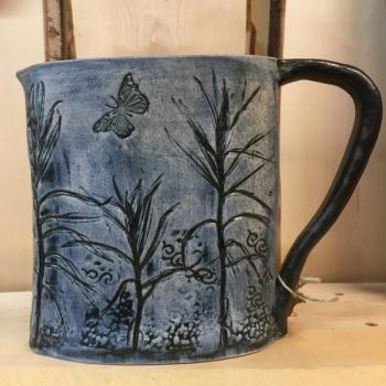 Pitcher ceramic